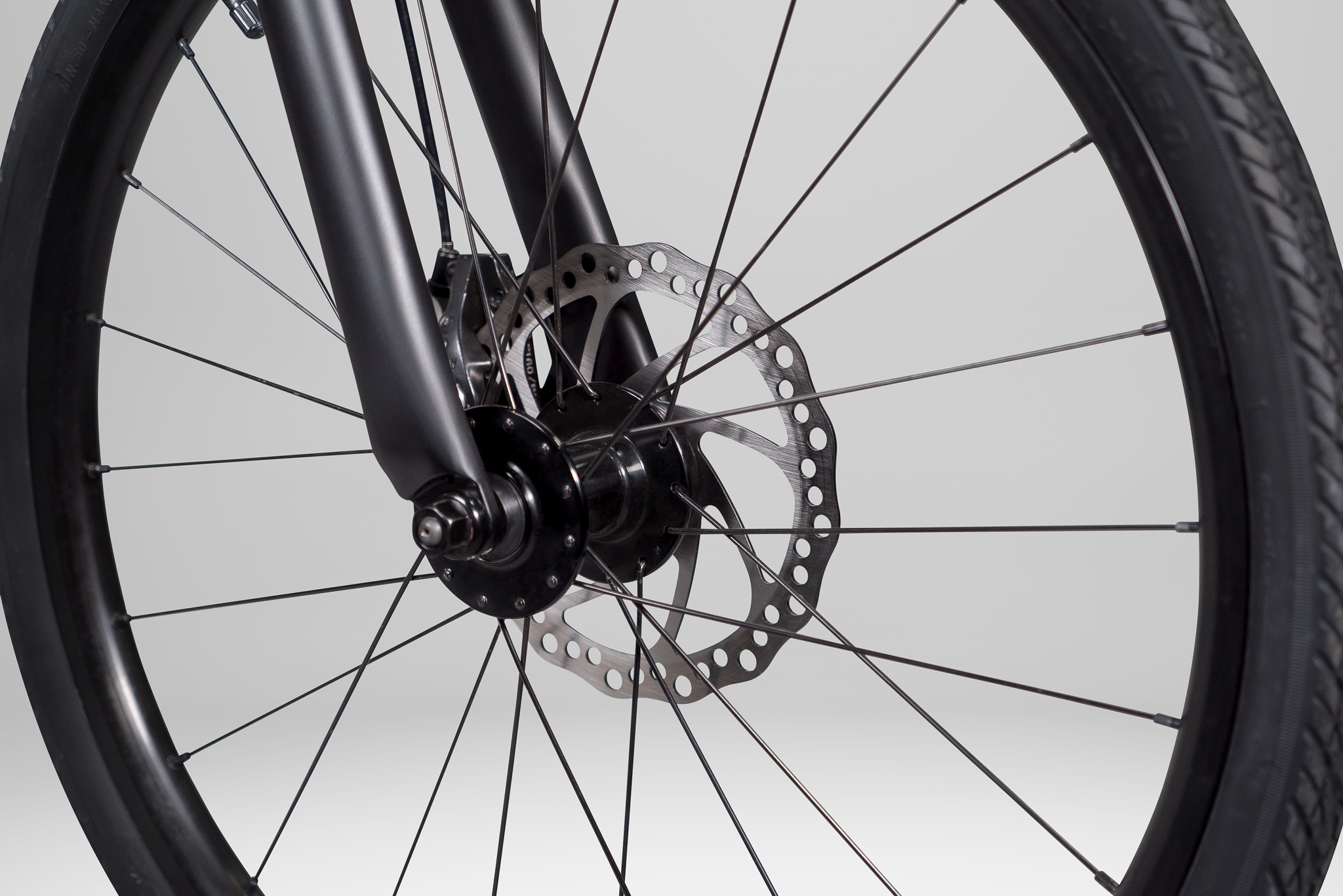 PureCycles_EBike_GreySeamless_Detail3.jpg