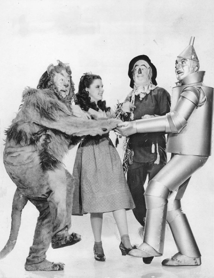 Public Domain publicity photo from MGM's 1939 Wizard of Oz, grabbed from Wikipedia.