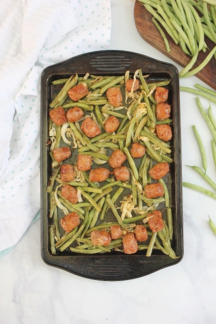 Tabitha_Lavoie_One_Pan_Meal_Sausage_Green_Beans.jpg