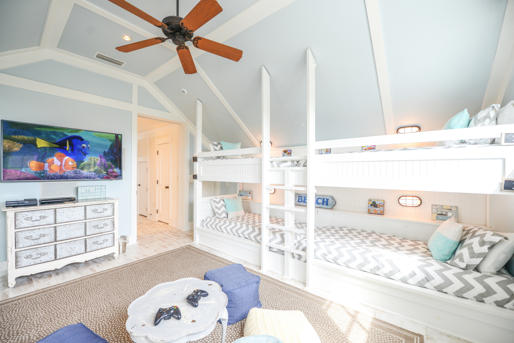 Watercolor florida beach house bunks.jpeg