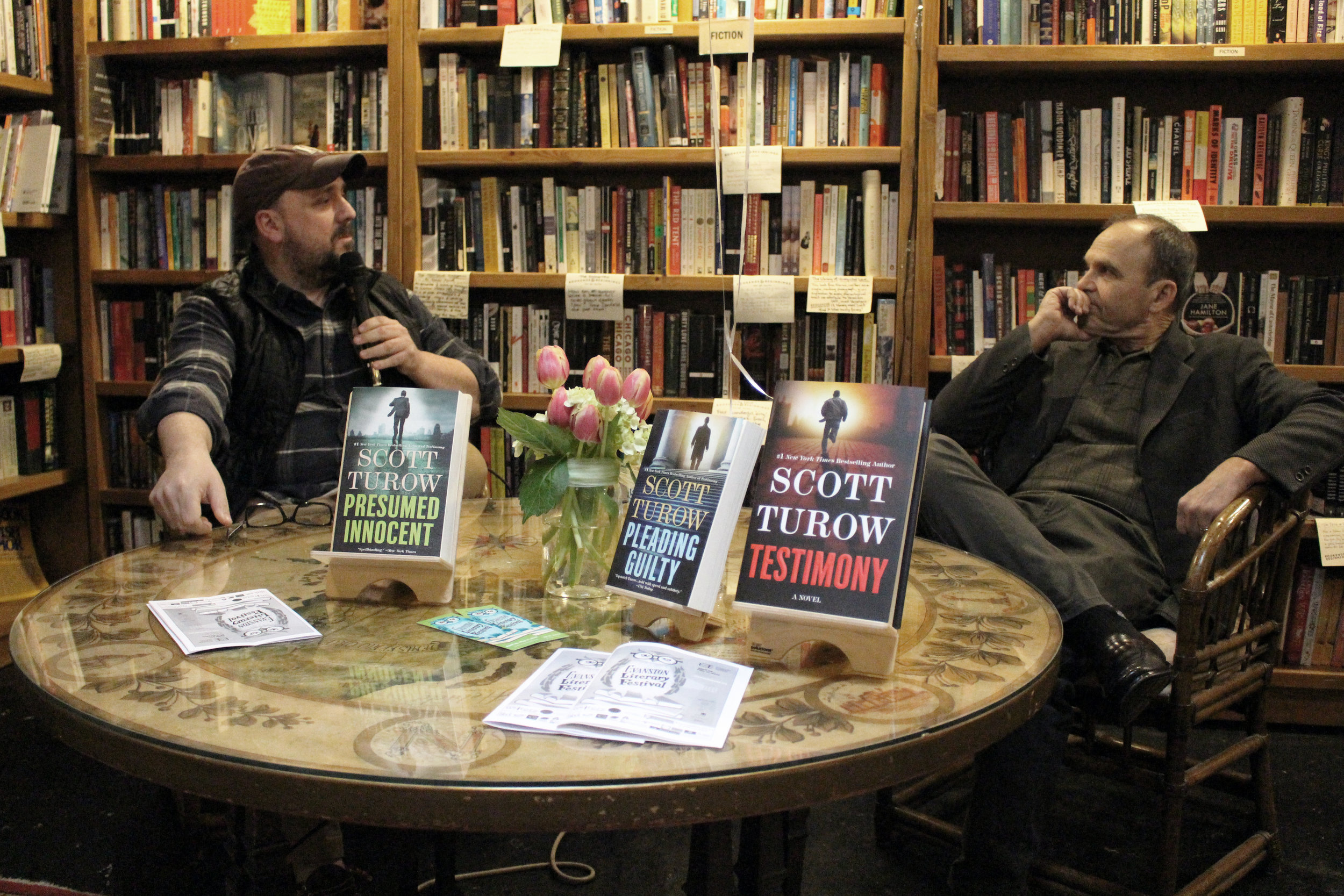 Christopher Borelli and Scott Turow at Bookends & Beginnings. (Photo by Lynn Haller.)