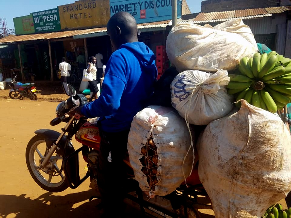 Barasa can carry he has potatoes, cabbage, bananas, onions, omena, guava and garlic.