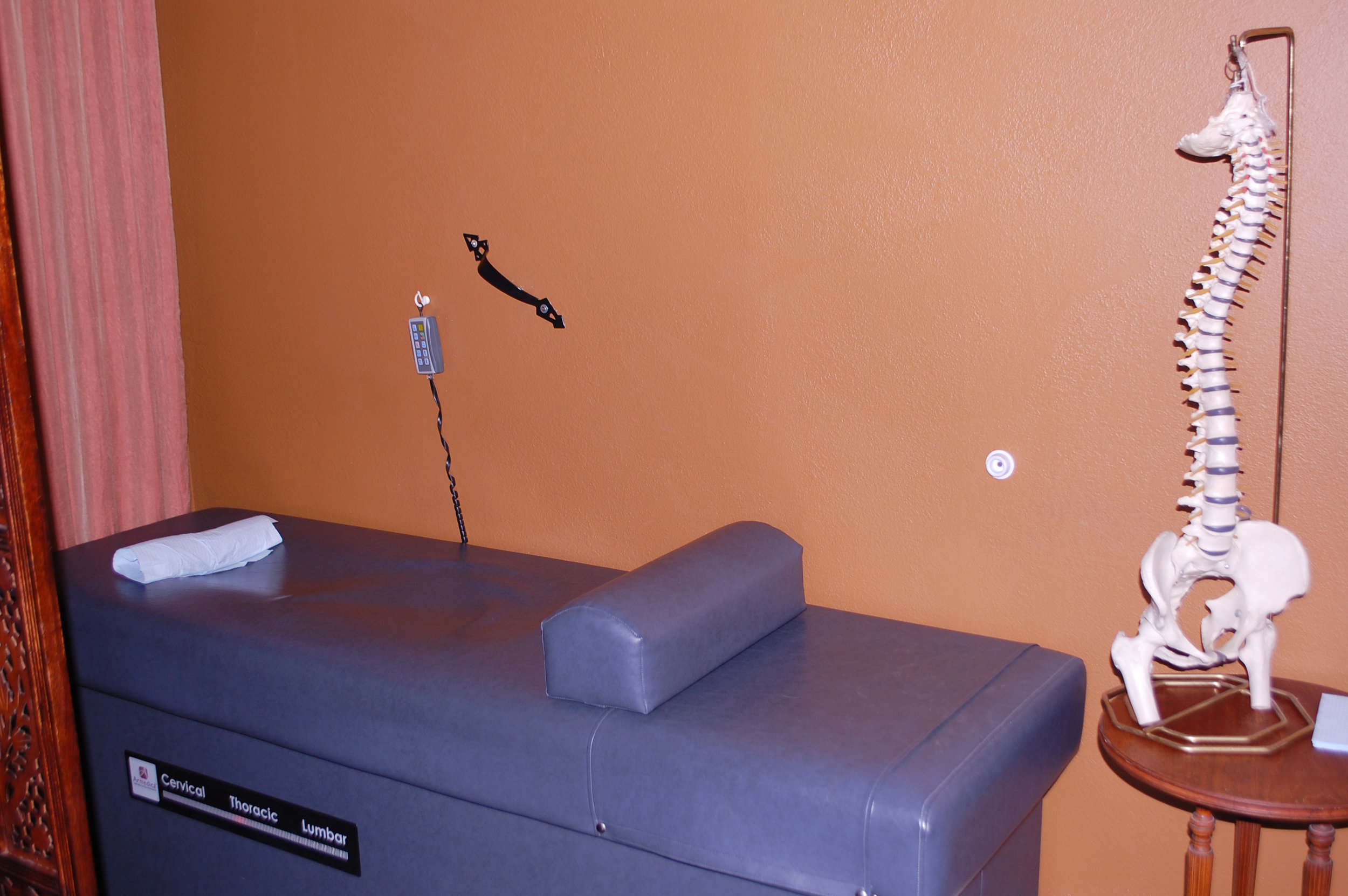 Columbia City Chiropractic Roller Table