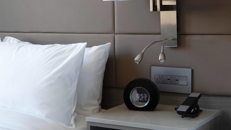 laxab-guestroom-bedside-6718-hor-wide.jpg