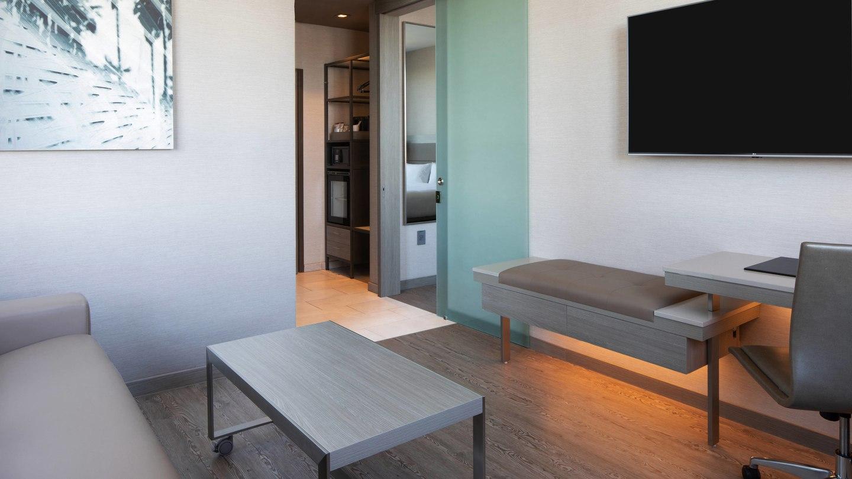 laxab-onebedroom-suite-6725-hor-wide.jpg