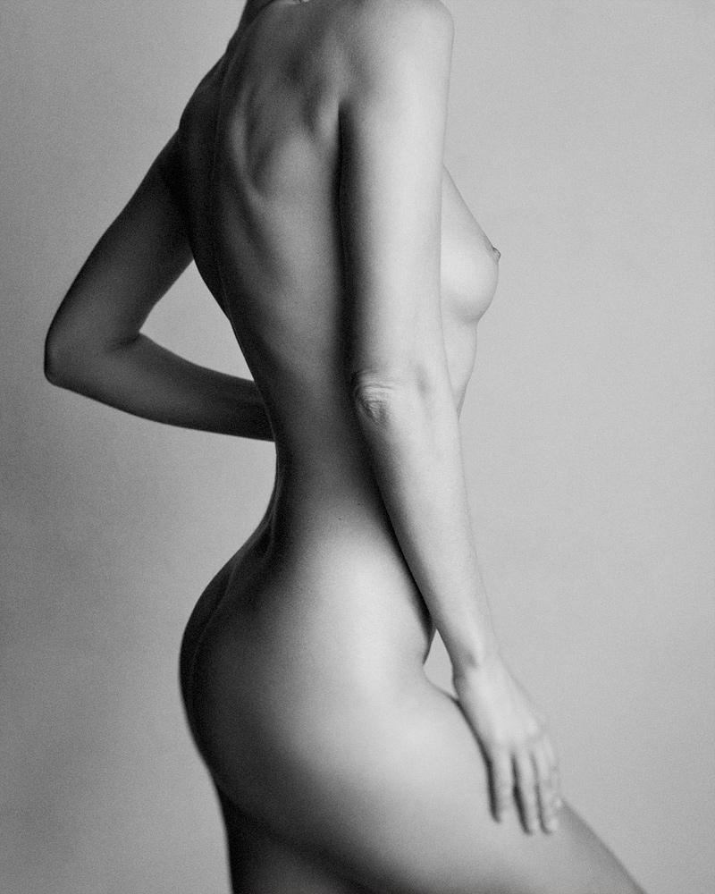 Jamiya-Wilson-Nudes-Shape-of-a-Woman-03.jpg