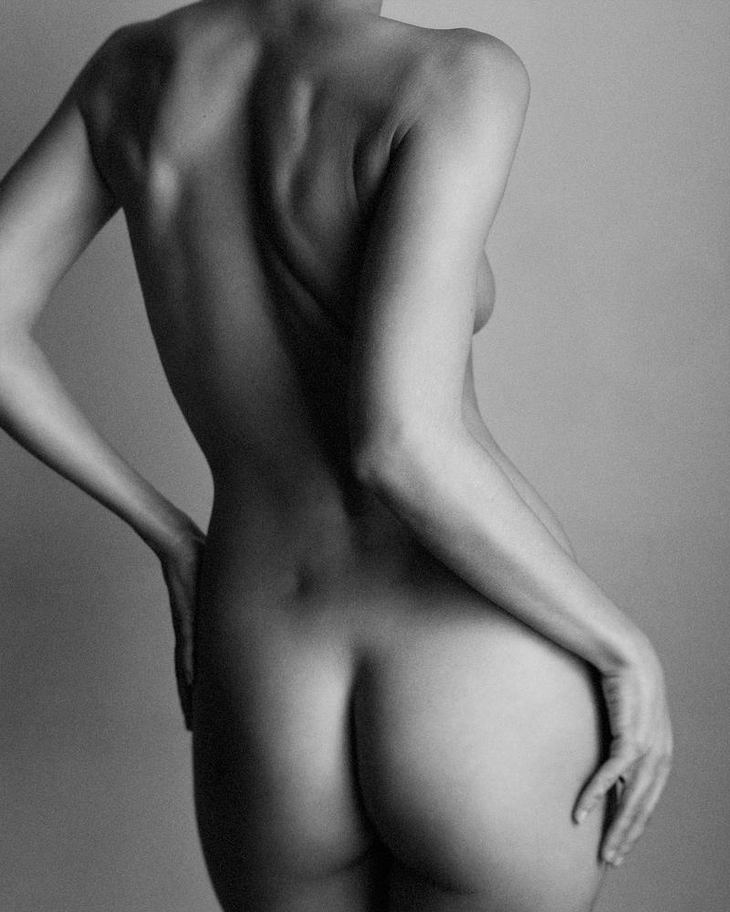 Jamiya-Wilson-Nudes-Shape-of-a-Woman-04.jpg