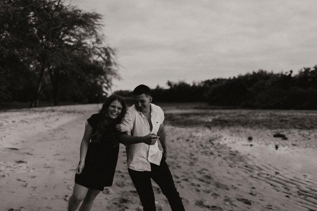 honolulu hawaii oahu beach couples session_5051.jpg