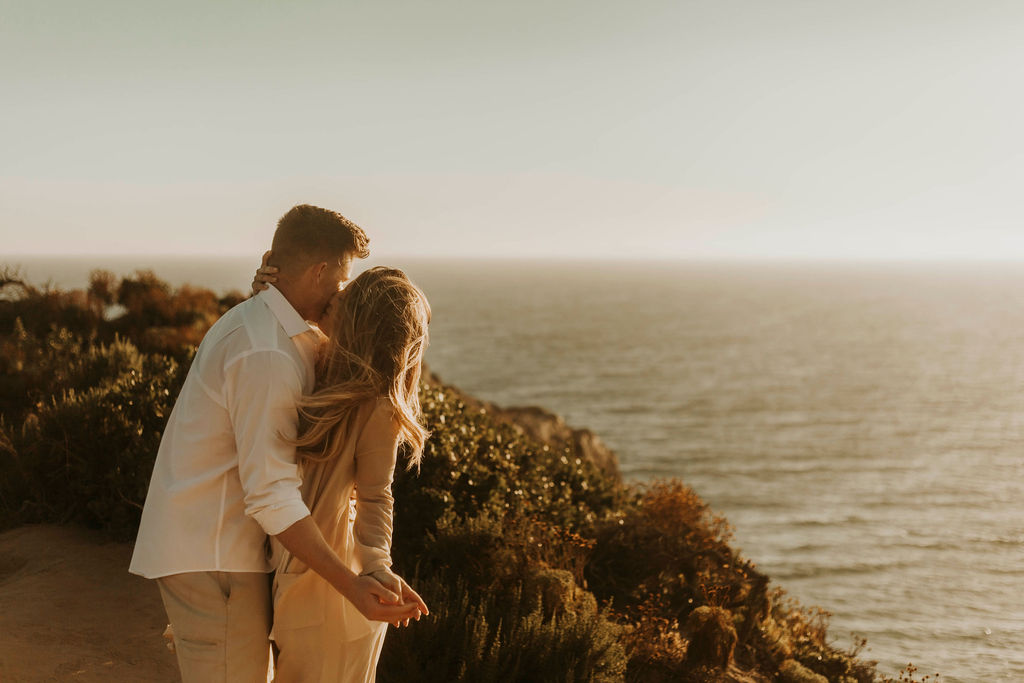 malibu cliff ocean couples session_6658.jpg