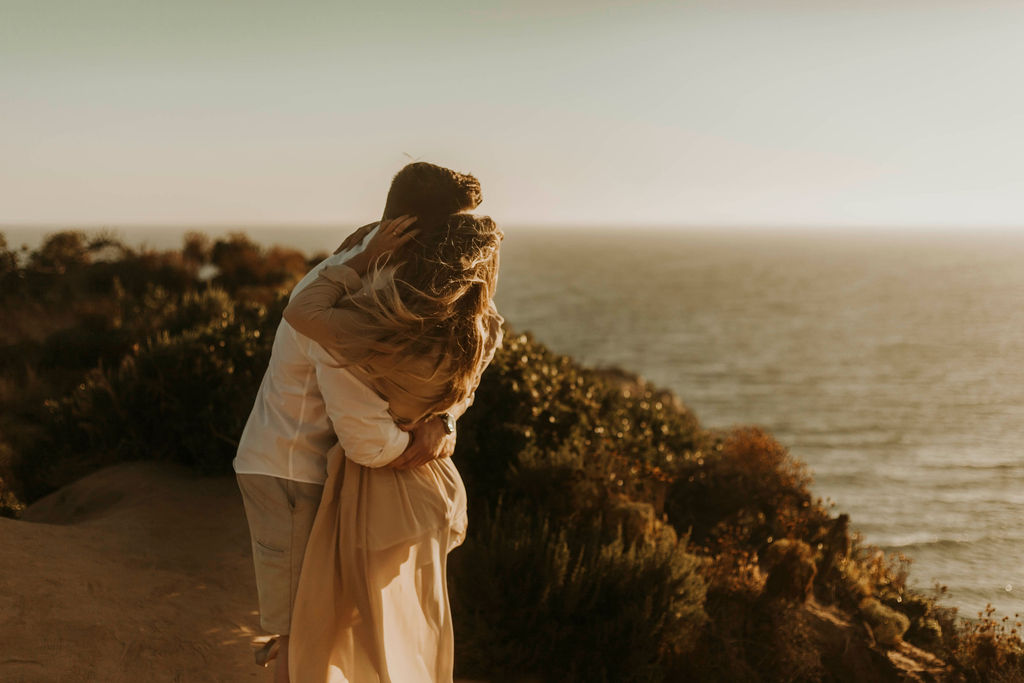 malibu cliff ocean couples session_6661.jpg