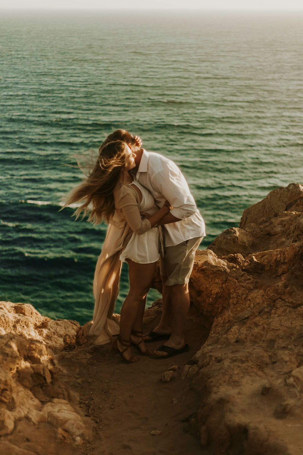 malibu cliff ocean couples session_6680.jpg