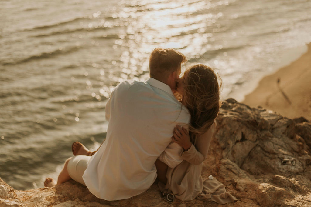 malibu cliff ocean couples session_6902.jpg