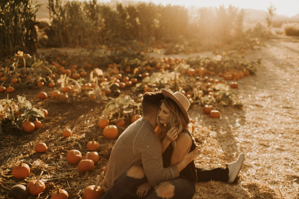 pumpkin patch couples session at underwood family farms_8067.jpg