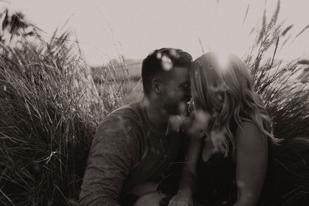 pumpkin patch couples session at underwood family farms_8374.jpg