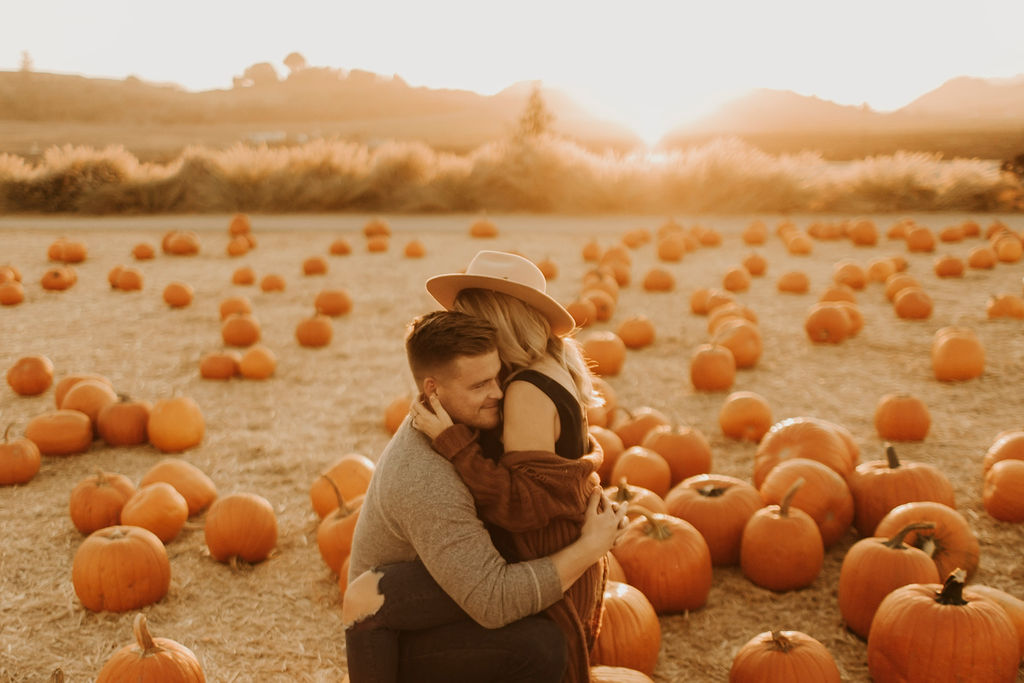 pumpkin patch couples session at underwood family farms_8443.jpg