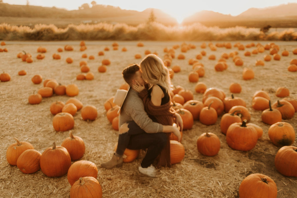 pumpkin patch couples session at underwood family farms_8478.jpg