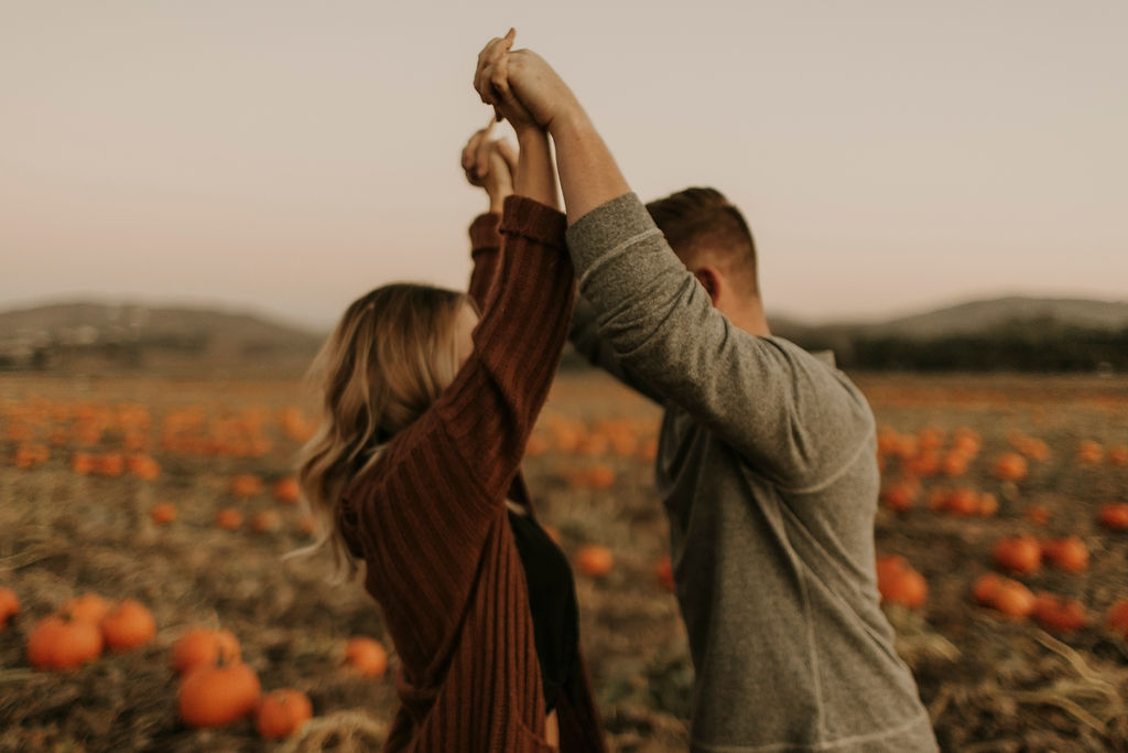 pumpkin patch couples session at underwood family farms_8613.jpg