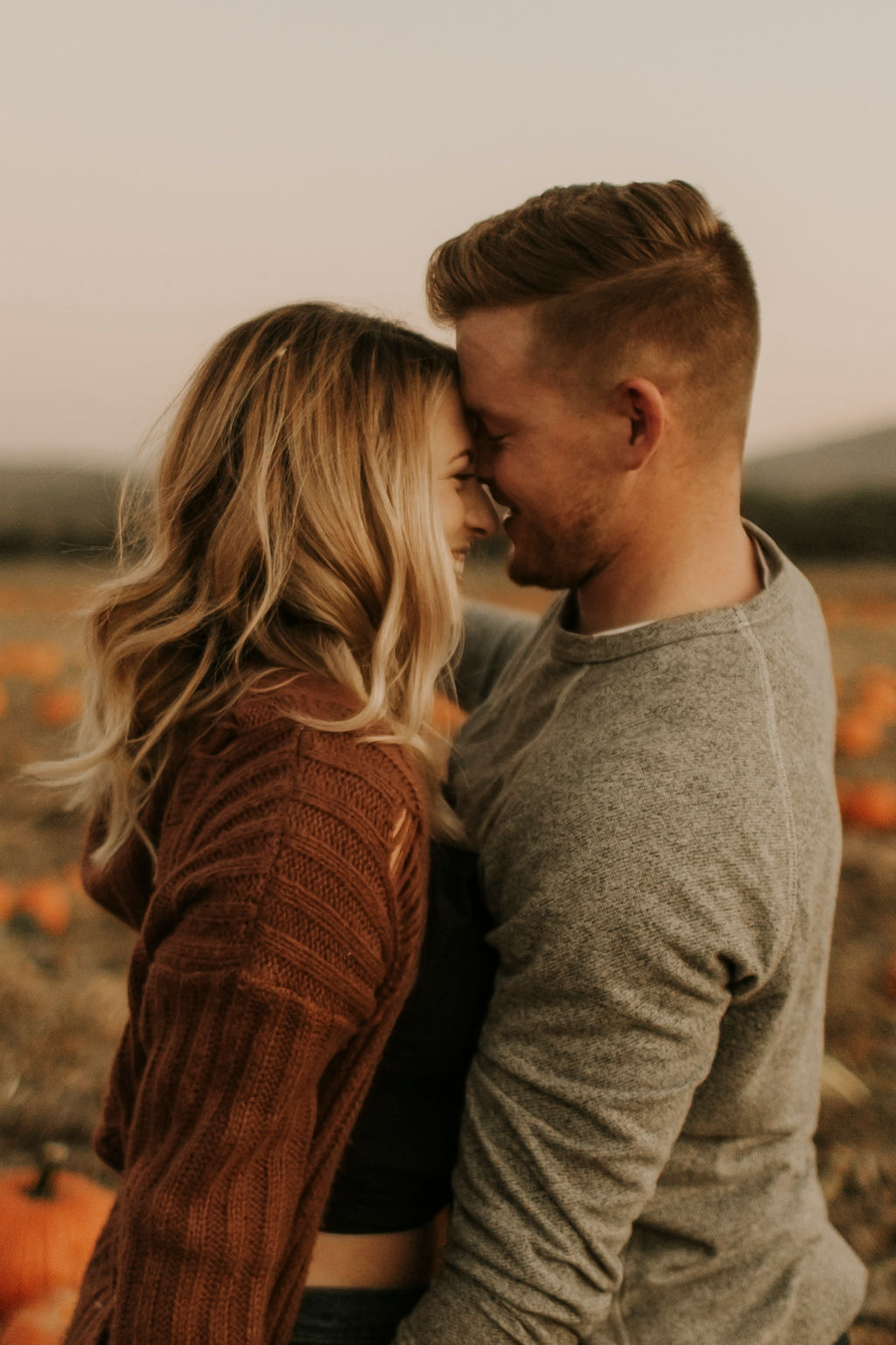pumpkin patch couples session at underwood family farms_8615.jpg