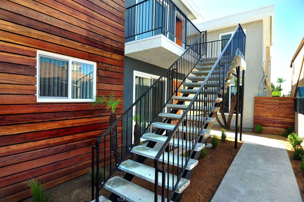 51st Street Stairs.jpg
