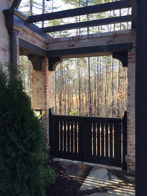 289 Front Courtyard-3000.jpg