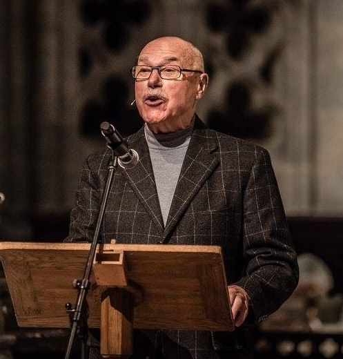 It has always been important to use well known figures from culture, arts and politics to speak on behalf of the project. Here is actor Ola B. Johannessen as he recites a passage from Flateyjarbok during our presentation at the Nidaros Cathedral.