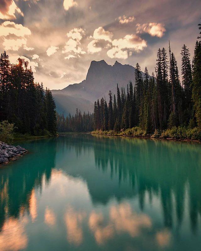 Needing a moment of zen tonight. ・・・ Photo: @markjinksphoto #emeraldlake #canada #britishcolumbia #canadianmountains #yohonationalpark #beautyinnature #lake #lakes #water #bodyofwater #reflection #reflections