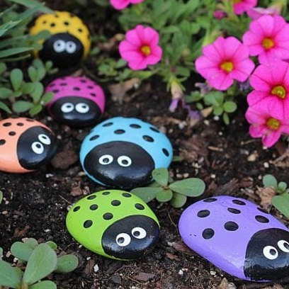 Painted Ladybug Rocks (Craft from May 25 2019)