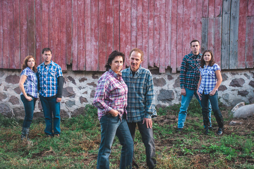 Rustic barn family portraits in Wisconsin