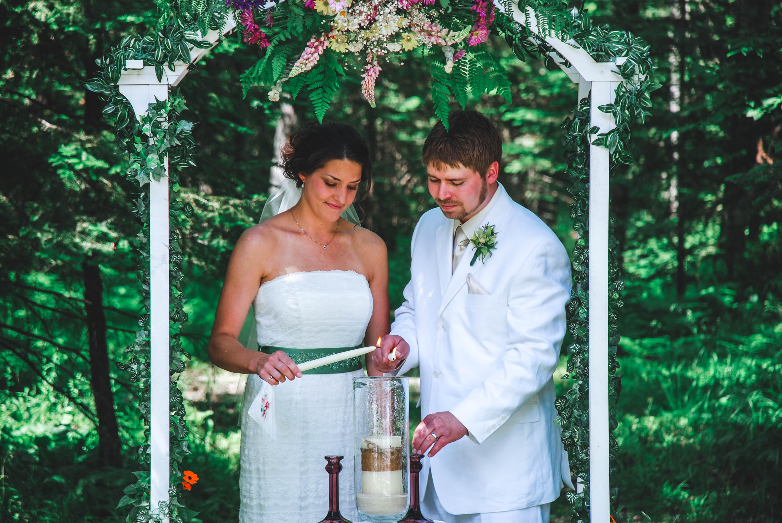 Outdoor ceremony unity candle