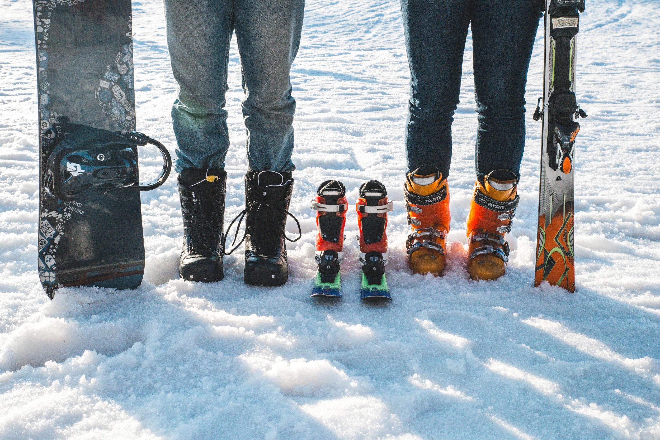 ski pregnancy announcement