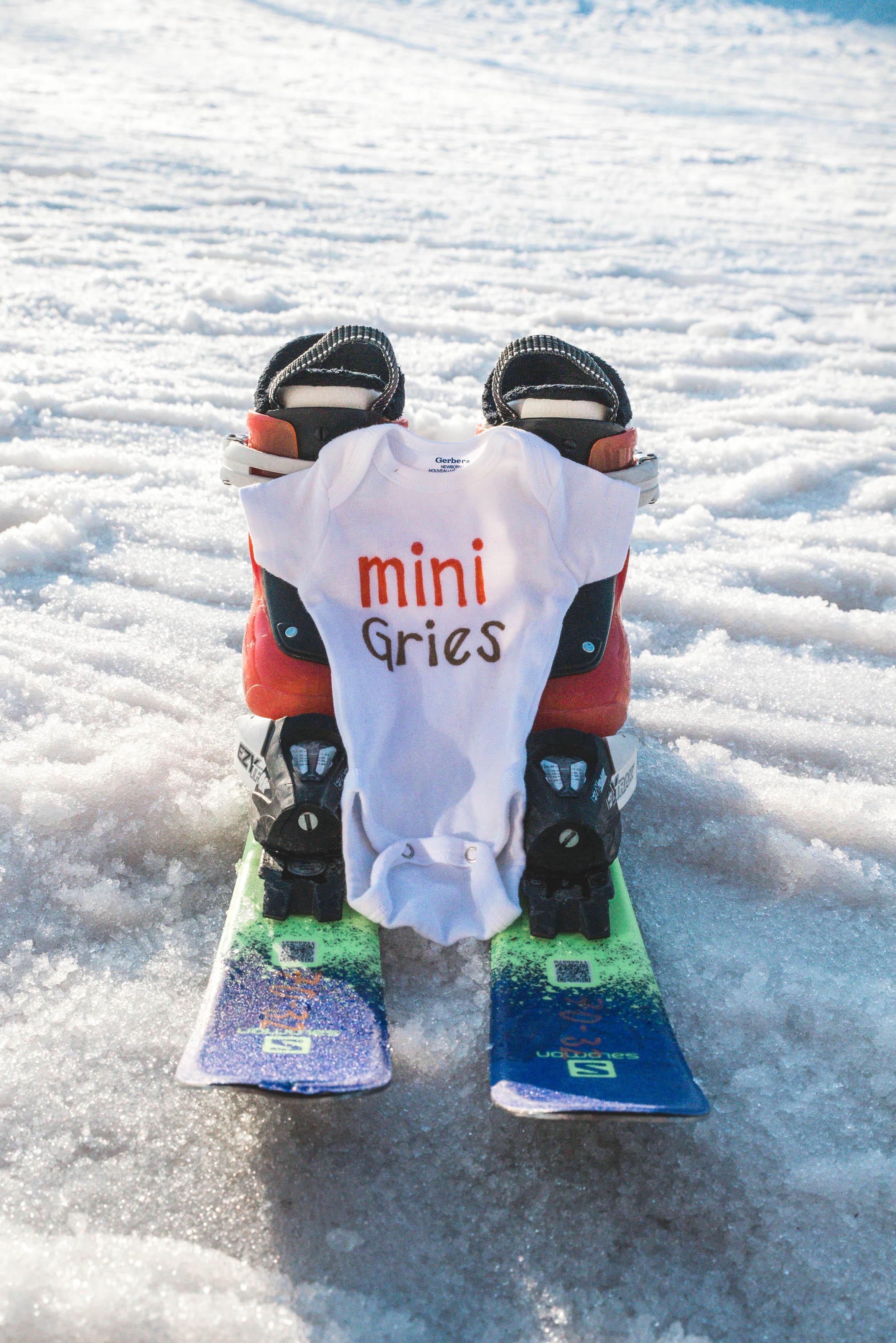 pregnancy announcement ski hill