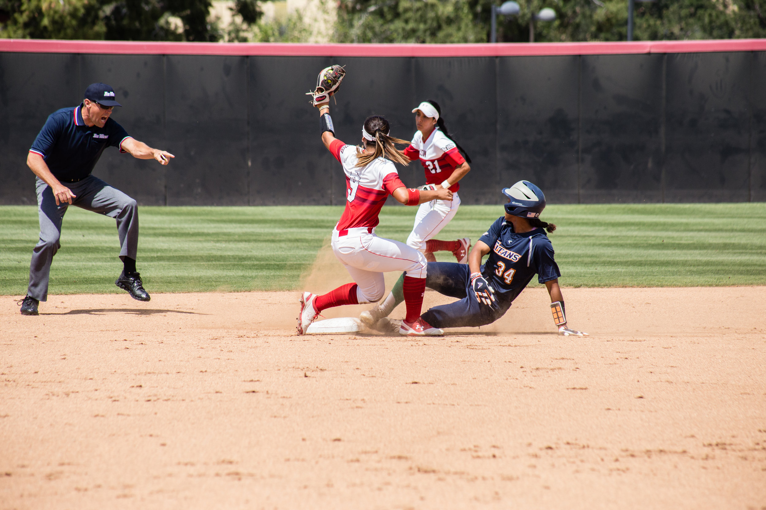 2018_04_07 - Softball vs CSU Fullerton (max reso)-9.jpg