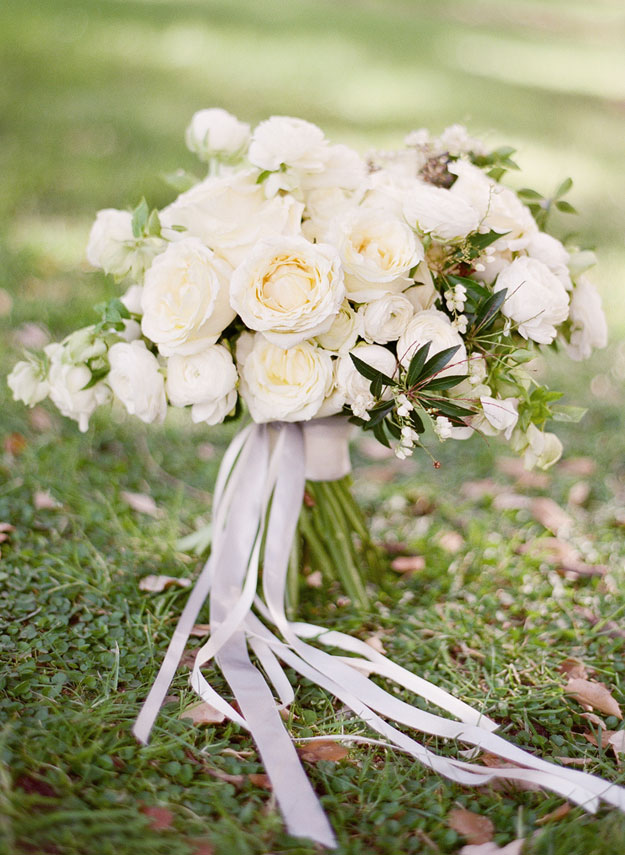 14-white-wedding-flowers-jemma-keech-sc.jpg