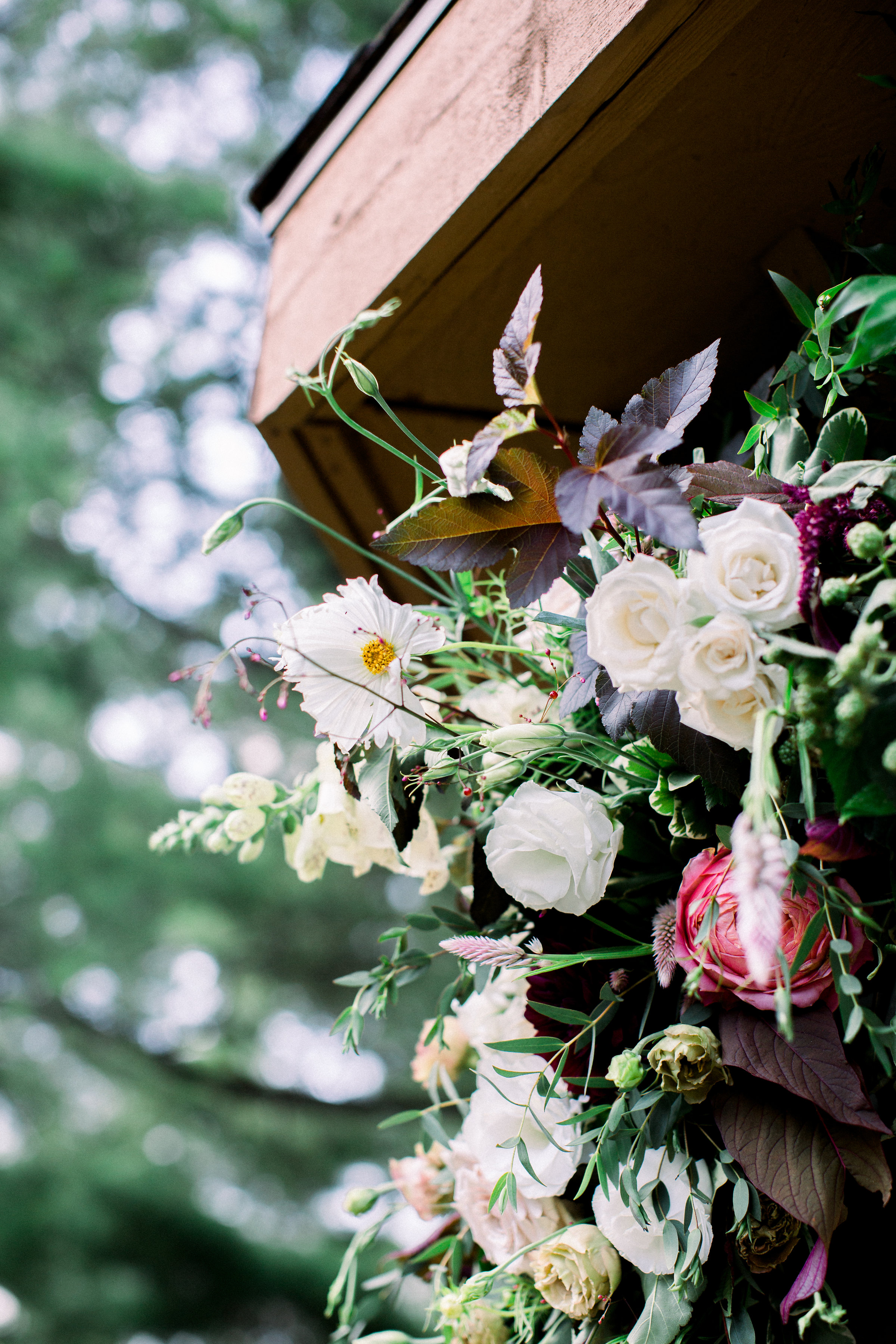 NikkiSanterre_DestinationFilmWeddingPhotographer_PineKnobMansion_Jessica&Scott-590.jpg