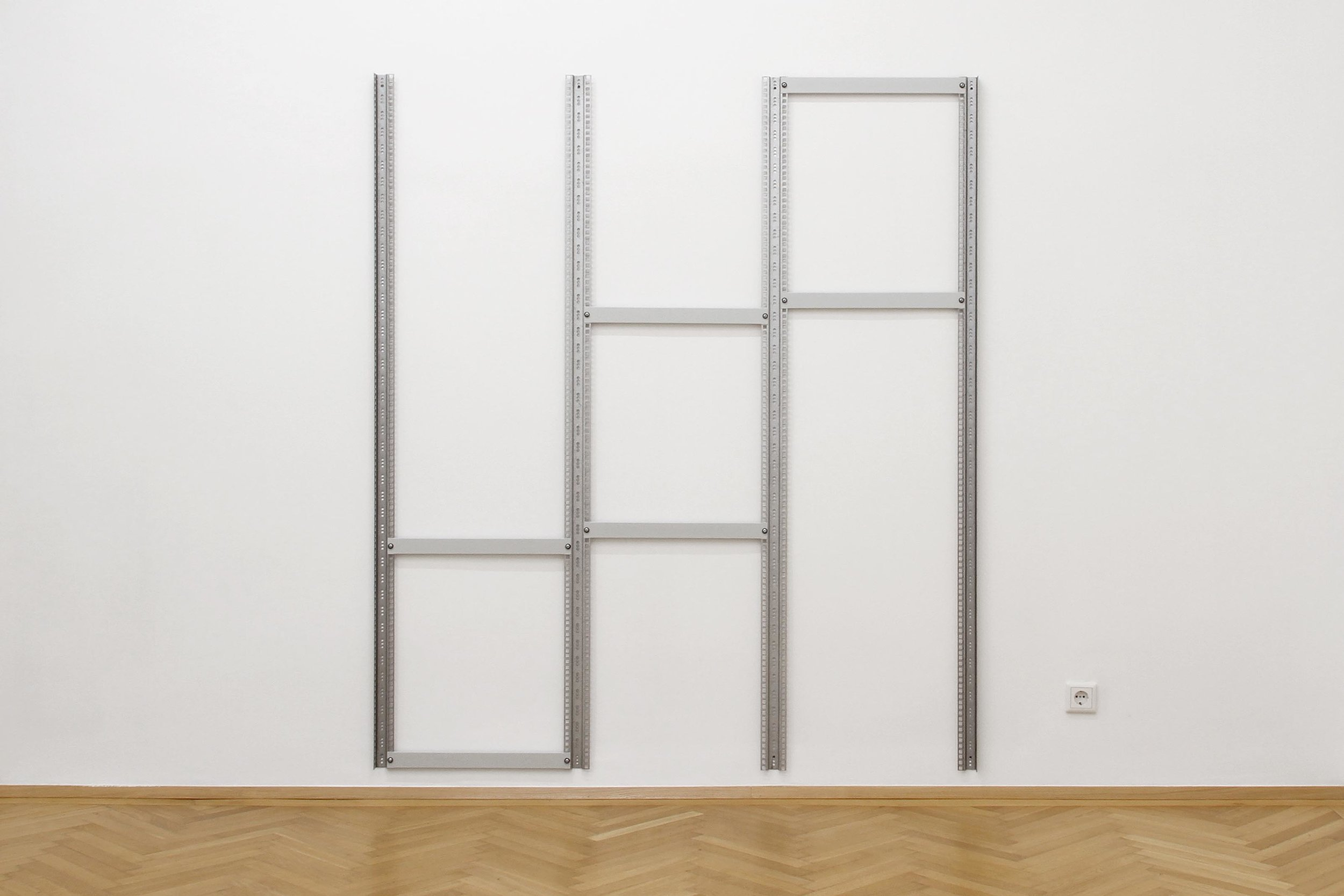 Ulrich Nausner, Memory Object (Grey) #5, 2017, server rack rails, blank panels, screws, 186,5 x 157,8 x 3,2 cm, 1 + 1AP