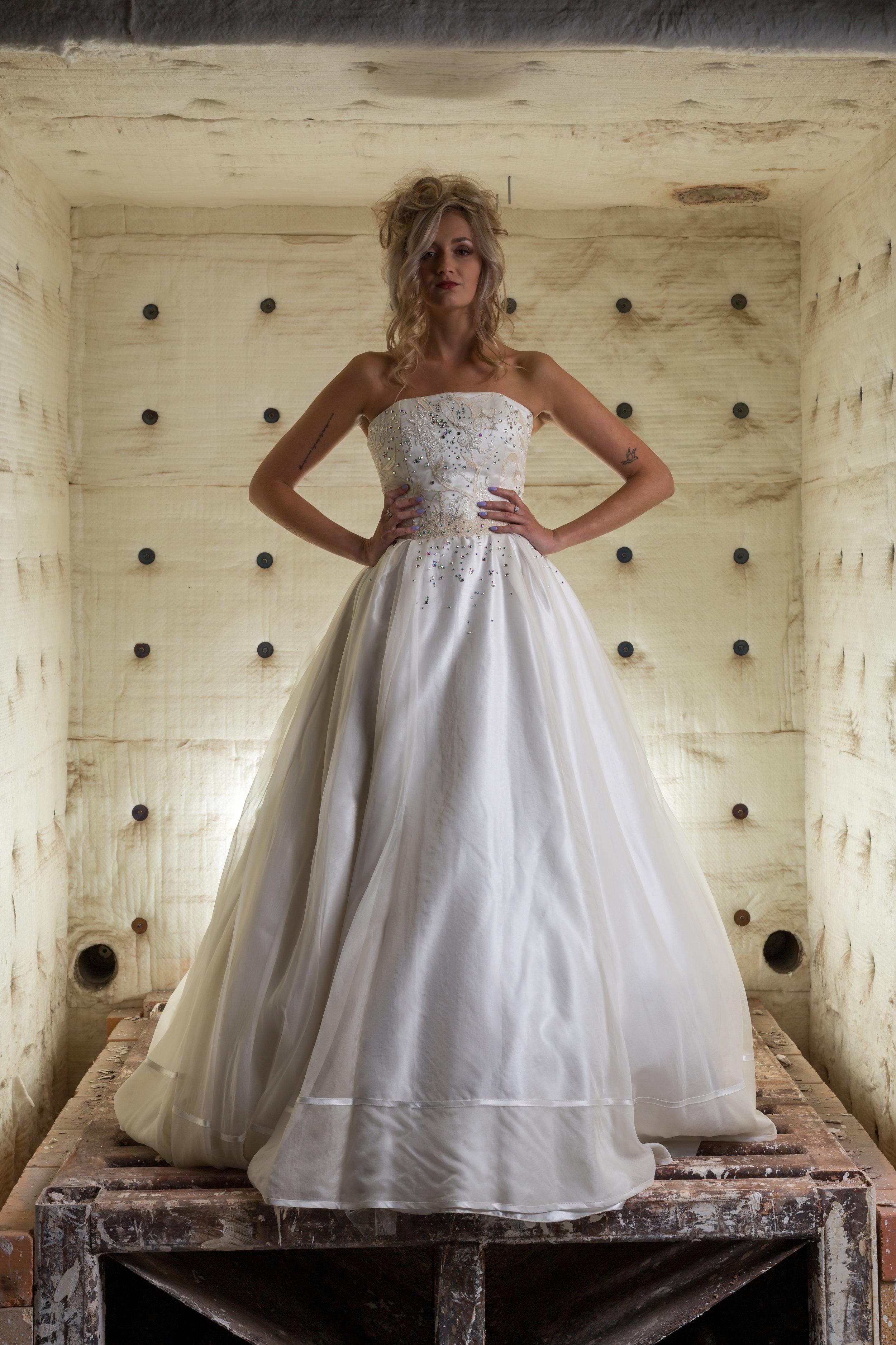 Martin Dobson Couture - Bespoke wedding dress - Suffolk - 0421 - September 17, 2017 - copyright Foyers Photography--® Robert Foyers - All Rights Reserved-3840 x 5760.JPG