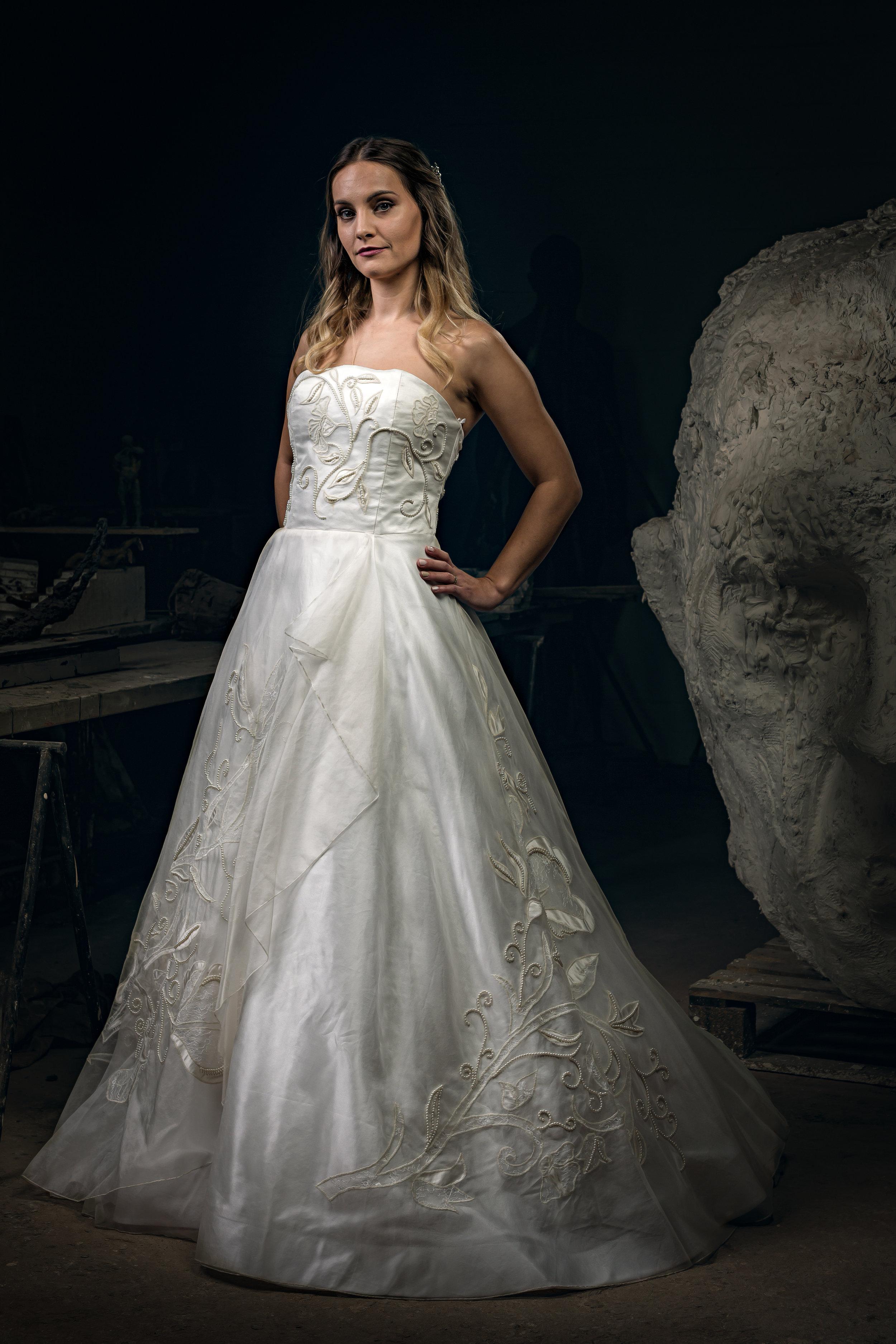 Martin Dobson Couture - Bespoke wedding dress - Suffolk - 0468 - September 17, 2017 - copyright Foyers Photography-Edit--® Robert Foyers - All Rights Reserved-3163 x 4744.JPG