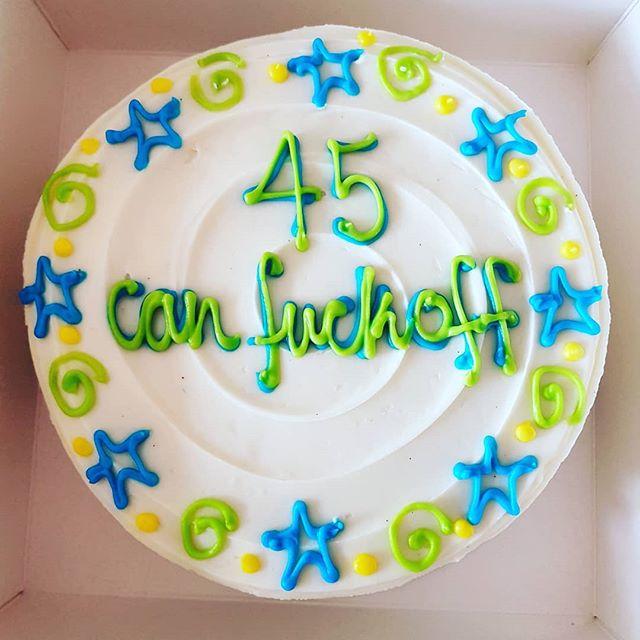 Best cake ever!!! Better eat the 'fuck' off it before the kids get home...⚡🌈 . . . #cake #alltheswears #birthday #cakes #cakesofinstagram #cakelove #cakestagram #baking #taste #thebakefeed #instayum #igfood #konditorandcook