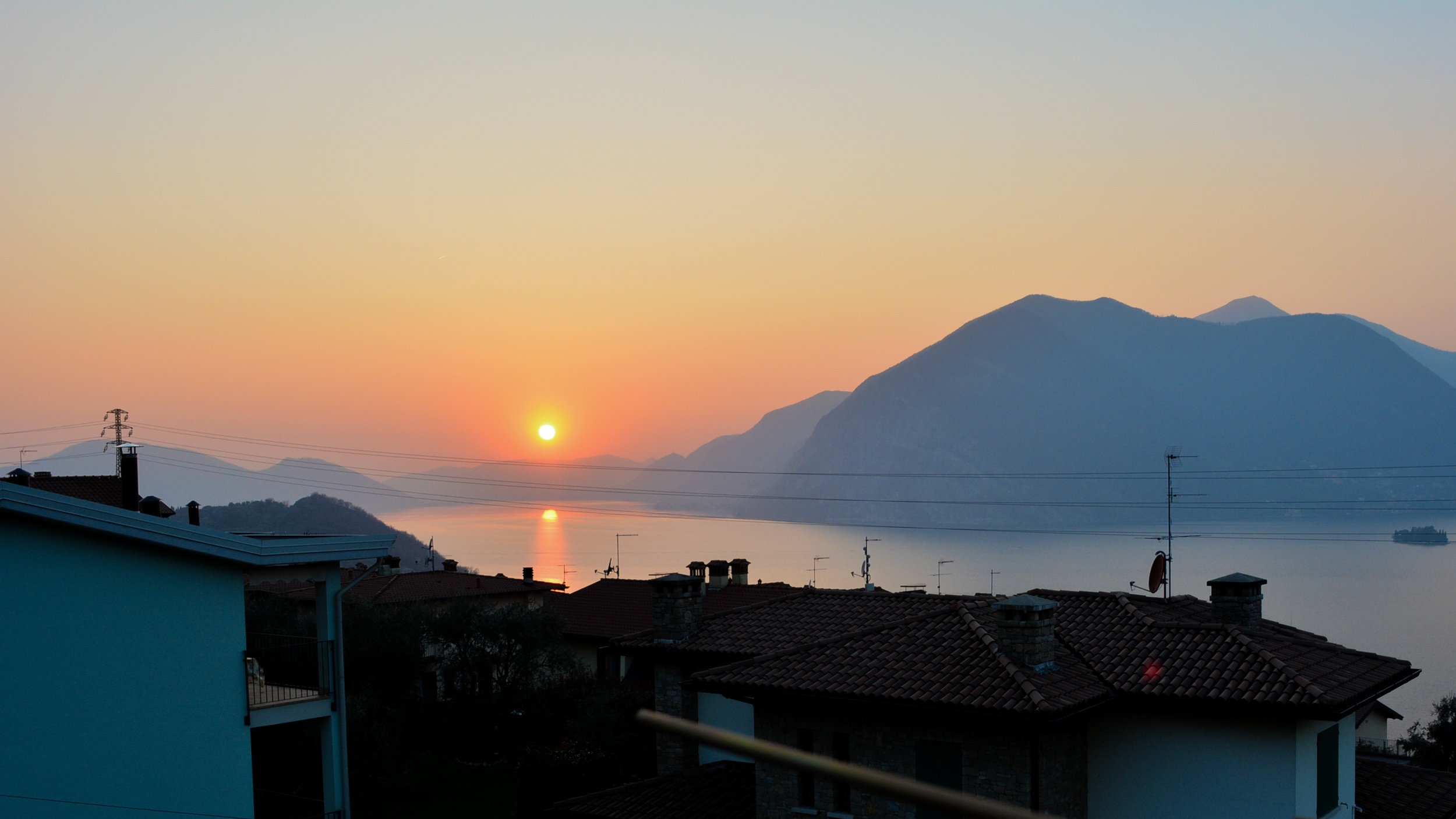 Sunset over Iseo.jpg