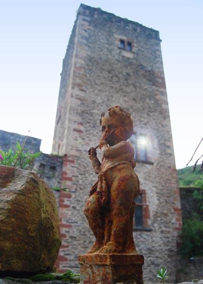 suite_statue.jpg