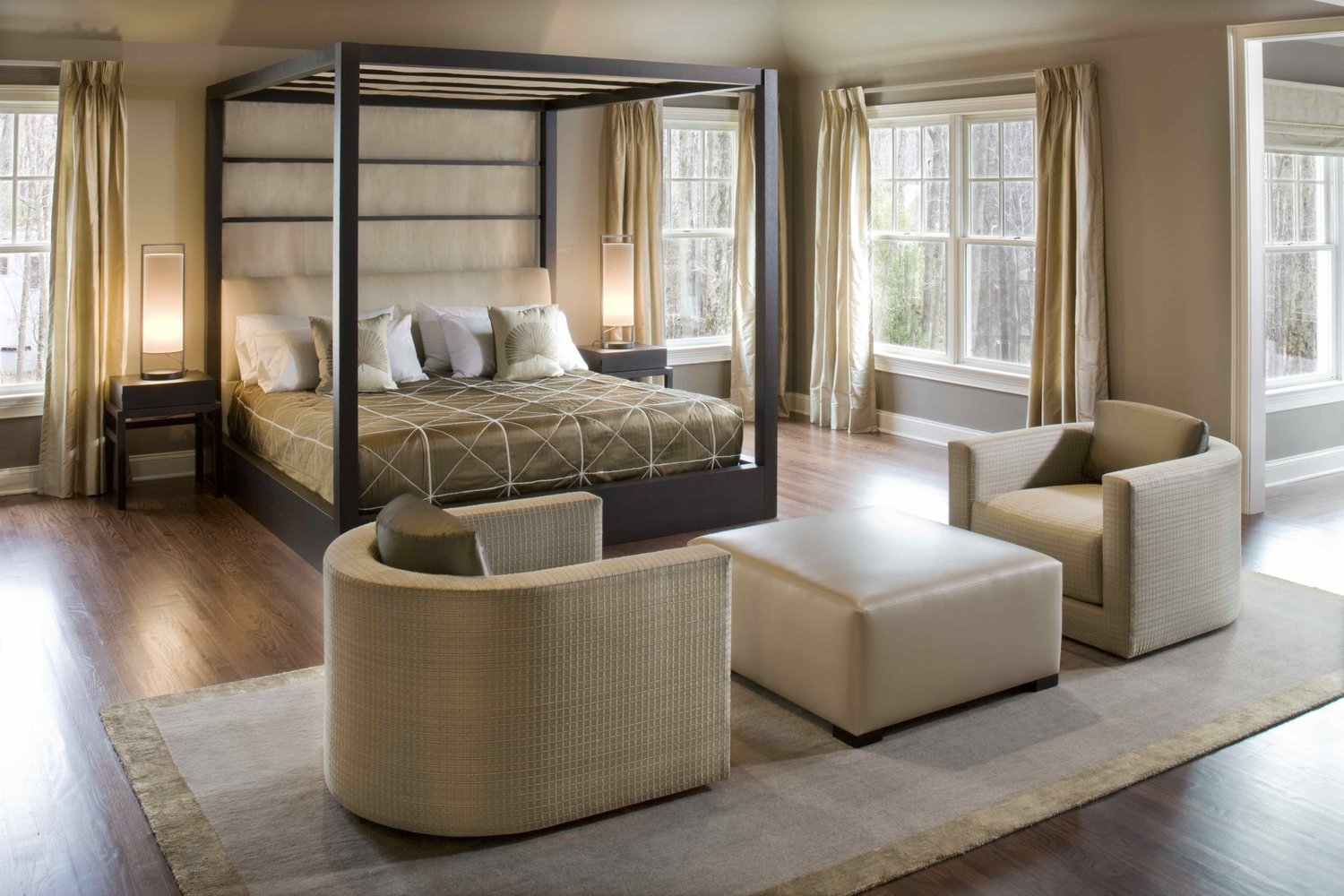Aguirre Design - Modern Canopy Bed