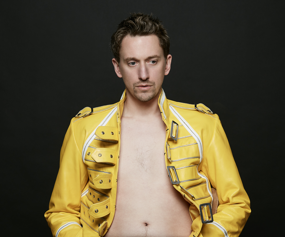 John Robins The Darkness of Robins_Phil McIntyre Entertainments_pressimage 9 WEBSITE.jpg