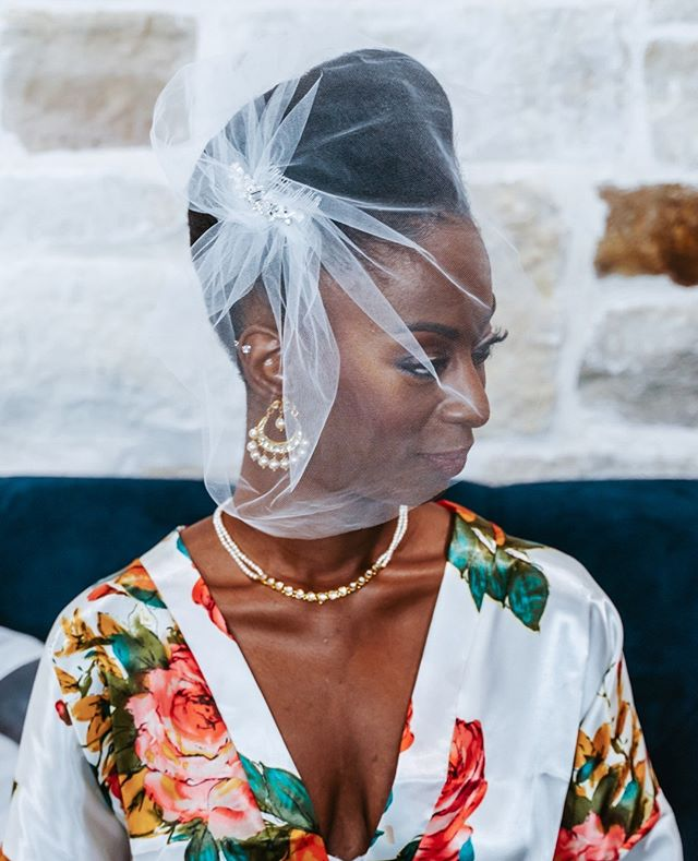 Can we talk about how ridiculously amazing this birdcage veil is on her flawless finished look? ⁠ OBSESSED. ⁠ Girl, don't be afraid to step out of the box with your accessory choices... This bride went all out with that jewelry and that veil and she slayed. Do your thing... It's your day. ⁠ .⁠ .⁠ .⁠ .⁠ .⁠ .⁠ ⁠ .⁠ .⁠ #vintage #fashion #instafashion #instagood #beauty #stylish #wedding #bridetobe #shesaidyes #bridalrobe #jewelry #weddingsonpoint #lookslikefilm #portrait #photooftheday #chasinglight #portraitcollective #liveauthentic #houstonphotographer #dallasphotographer #austinphotographer