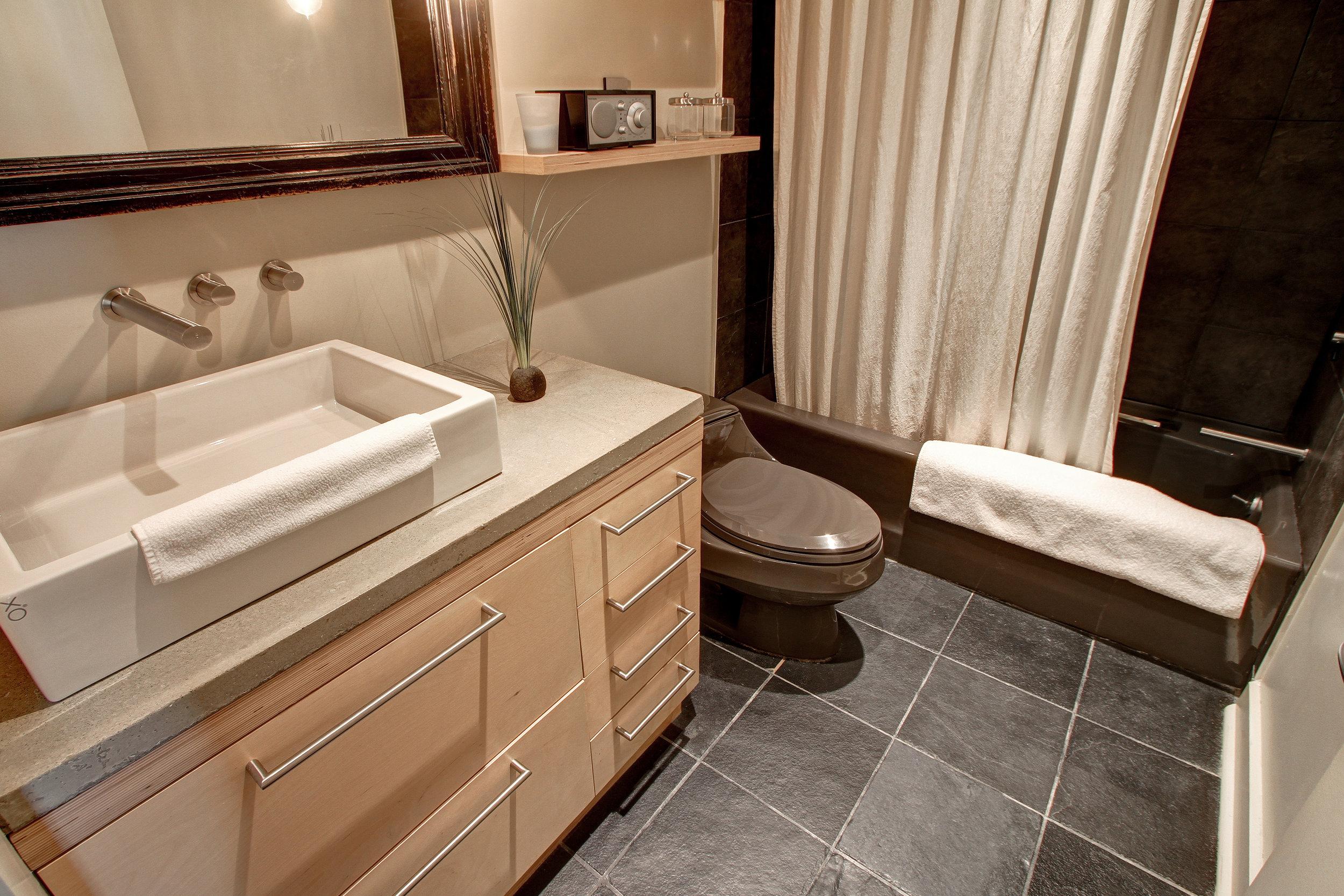 Condo-Bathroom.jpg