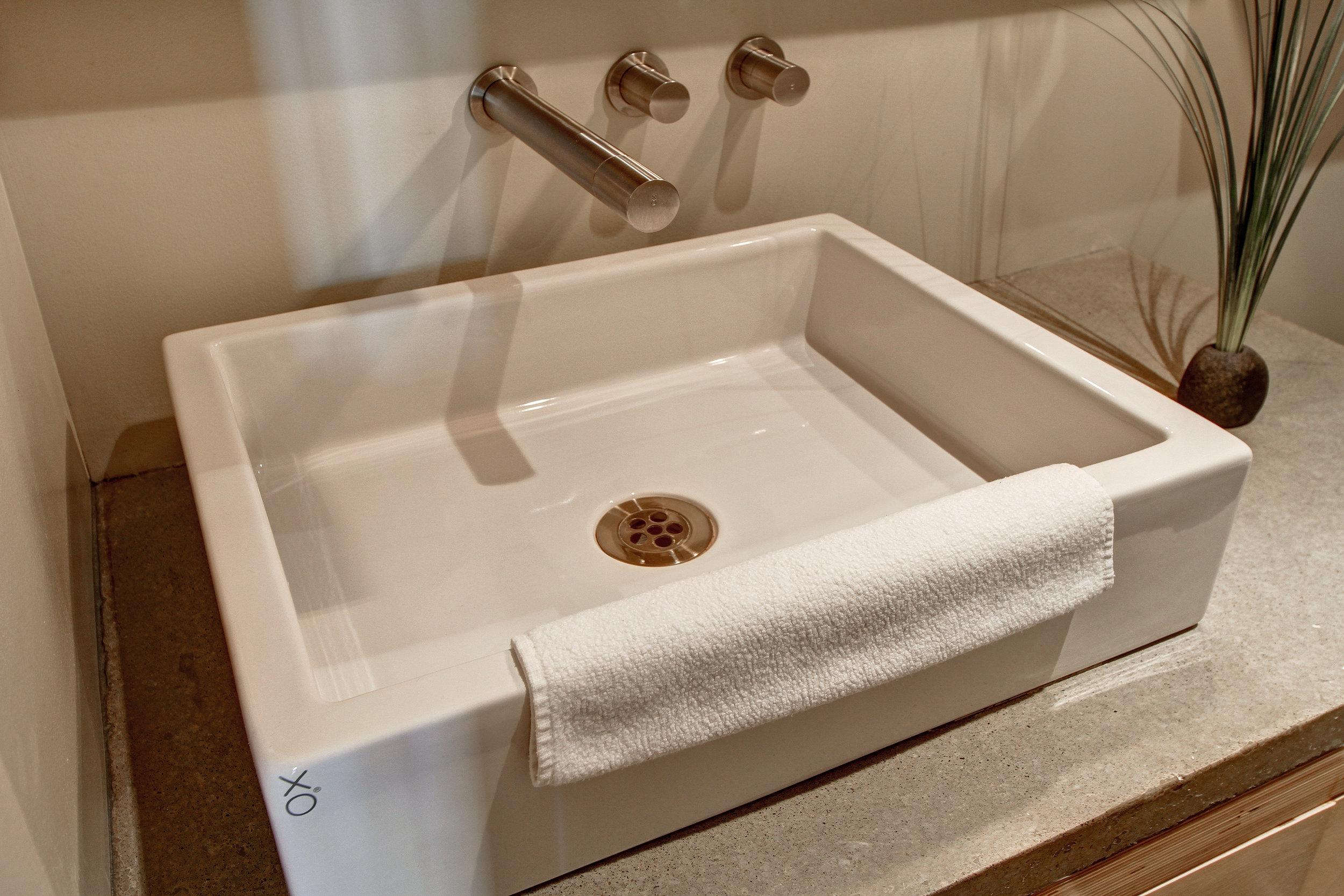 Condo-Bathroom3.jpg