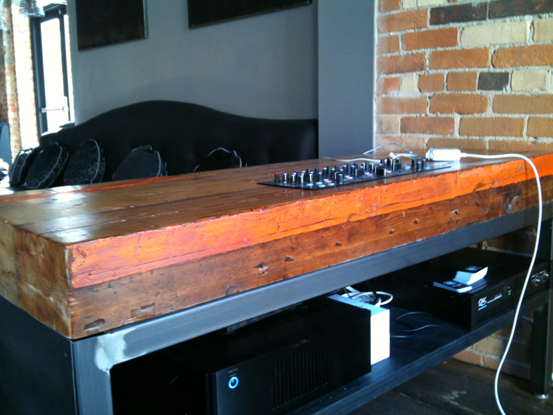 Origin-dj table.jpg