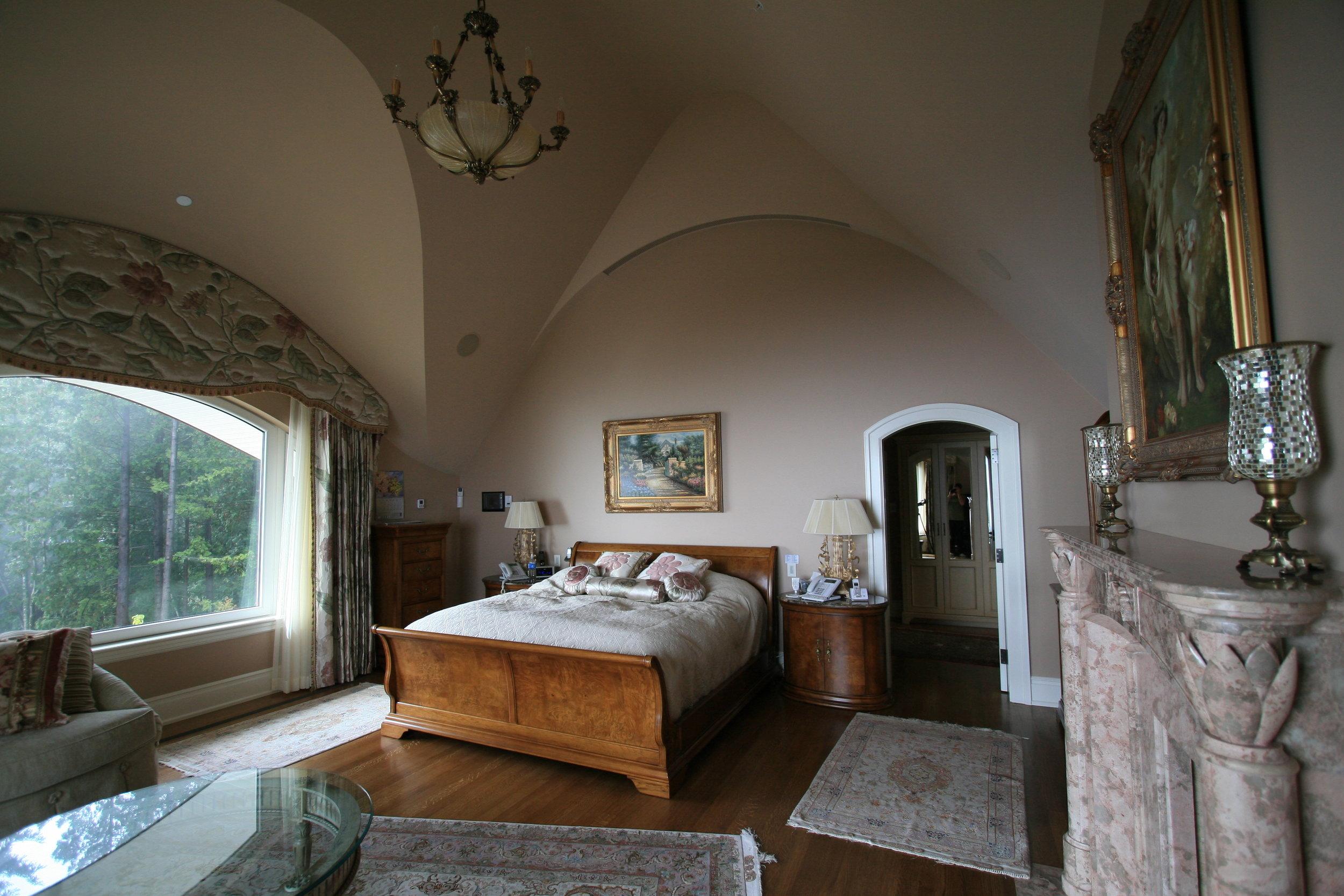 mountainside- bedroom.jpg