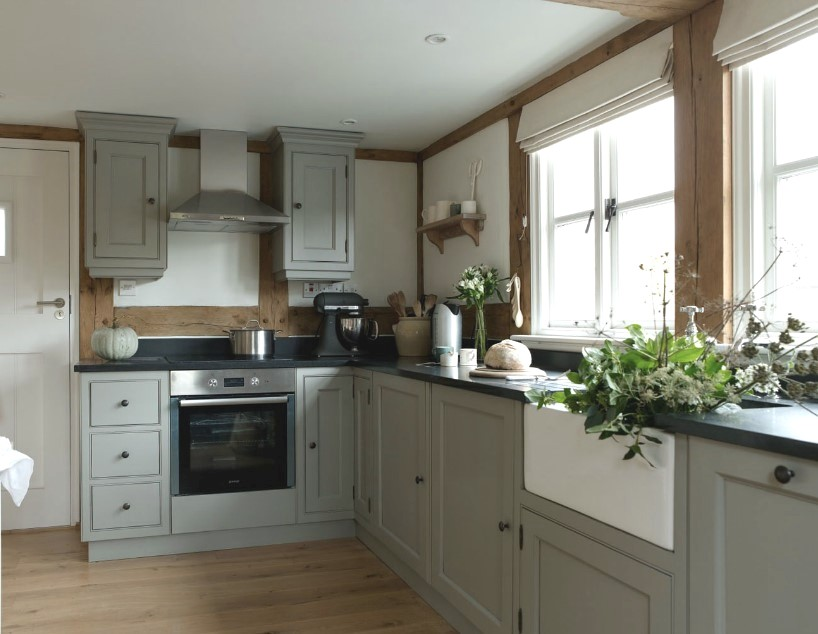 Border Oak kitchen.jpg