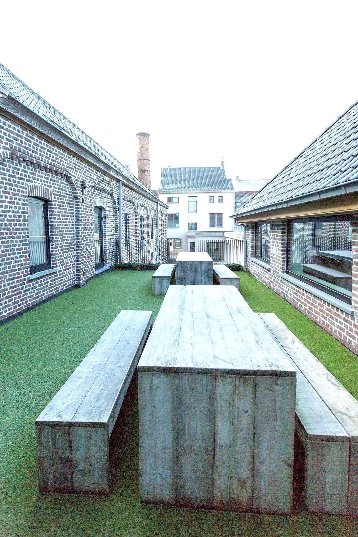 Gezellige patio/terras in ondernemerscentrum Noordstraat 140