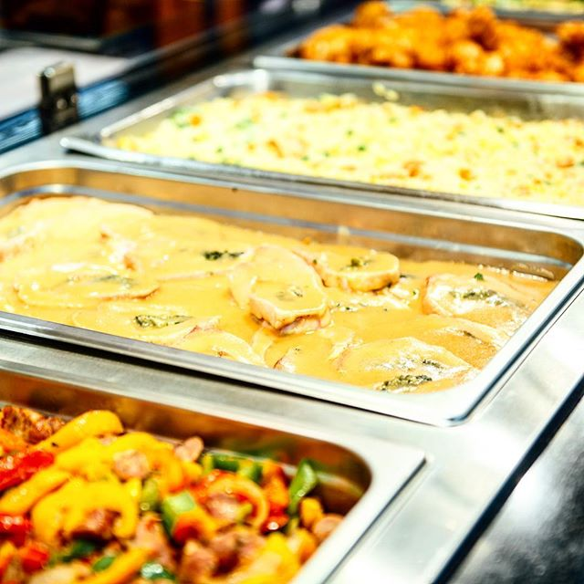 Plenty of hot and ready options make dinner a no brainer! @ac_superette